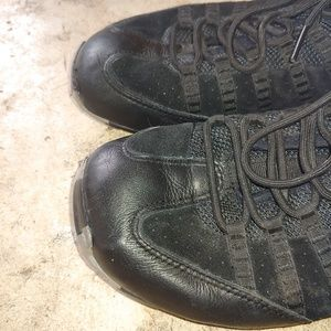 Tsubo Bombyc Men's Size 9.5 Black Sneakers